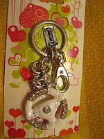 Брелок новый на ключи руль автомобиля металлический на карабине сувенир на подарок