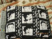 Декор фирменная подушка игрушка черная ВETTY БЕТТИ