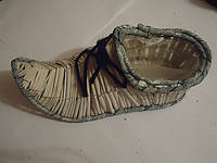 Плетеное кашпо ботинок