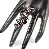 Роскошное женское кольцо в форме ветки с натуральными мозамбикскими темно-красными гранатами 5х10 мм
