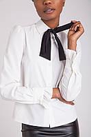 Стильная белая женская блузка с черной повязкой