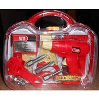 Инструменты в пластиковом чемодане