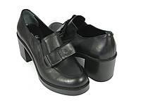 Кожаные женские туфли на невысоком каблуке
