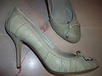 Кожаные фирменные туфли Christian Dior 40 р