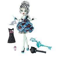 """Кукла Monster High Фрэнки Штейн (Frankie Stein) из серии """"Мои мылые 16 сотен"""""""