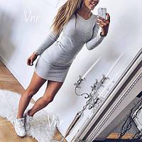 Теплое платье мини с длинным рукавом облегающее серое