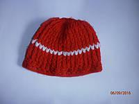 Красивая вязанная шапочка для девочки