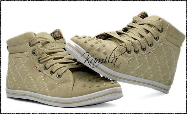 Стильные стеганые кеды кроссовки с шипами бежевые размер 38