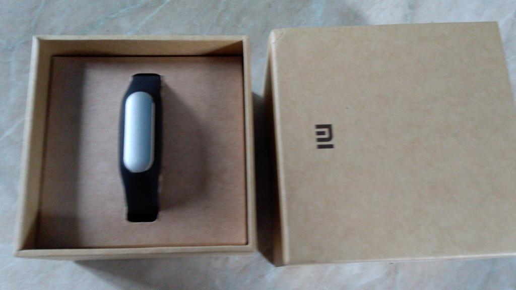 Xiaomi MiBand Black новый в наличие