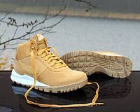 "Мужская  зимняя обувь Nike Hoodland Suede ""Light Brown-Metallic Gold"""