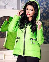 Женская зимняя короткая куртка на молнии и с капюшоном