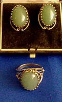 Серьги и кольцо.П.Серебро.Нефрит.