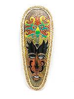 Настенная маска из дерева