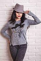 Женская кофточка прямого силуэта, с длинными рукавами