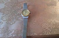 Часы заря женские с браслетом кварц