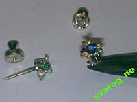 Серьги пусеты гвоздики серебрянные на винтах с сапфиром!
