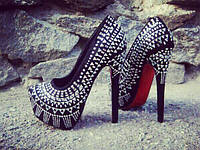 Женские туфли с камнями