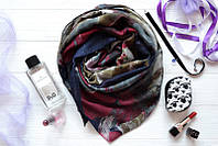 Милый шарфик красивого цвета индиго