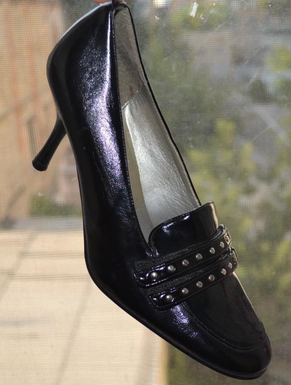 Качественные женские туфли, размер  36 . 23 см