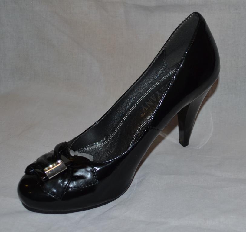 Женские красивые туфли, размер 37.