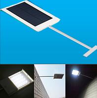 Светильник на солнечной батарее 24 LED с датчиком освещенности уличный
