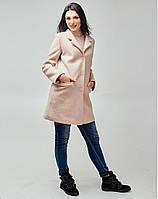 Женское пальто с прорезными карманами