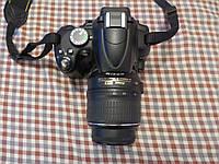 Nikon D5000 + Nikkor DX 18-55 VR 1:3.5-5.6G