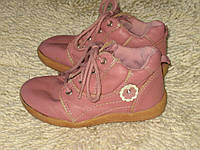 Ботинки----Bobbi Choes---25р.