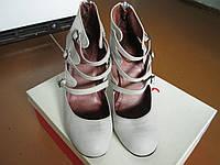 Туфлі женские каблук 39р кожа серие