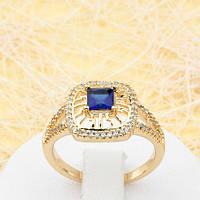 R1-0767 - Красивое позолоченное кольцо с сапфирово-синим и прозрачными фианитами, 16, 17 р.