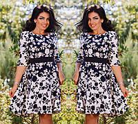 Расклешенное цветастое платье для пышных дам.