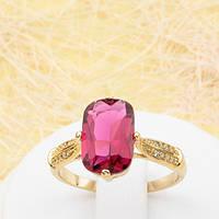 R1-0775 - Эффектное позолоченное кольцо с крупным рубиновым и прозрачными фианитами, 16.5 р.