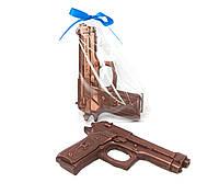 Прикольные подарки для мужчин. Пистолет из шоколада