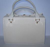 Лаковая белая сумка