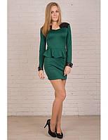 Зеленое платье с баской и вставками из эко-кожи