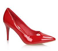 Красные туфли лодочки на удобном каблуке