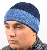 Двуцветная зимняя шапка