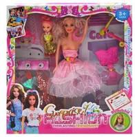 Кукла типа Барби с нарядами и аксессуарами