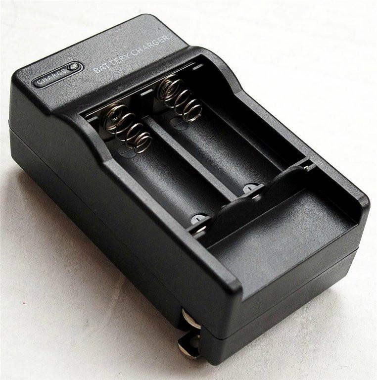 Зарядное устройство для CR123A, CR123, LR123A