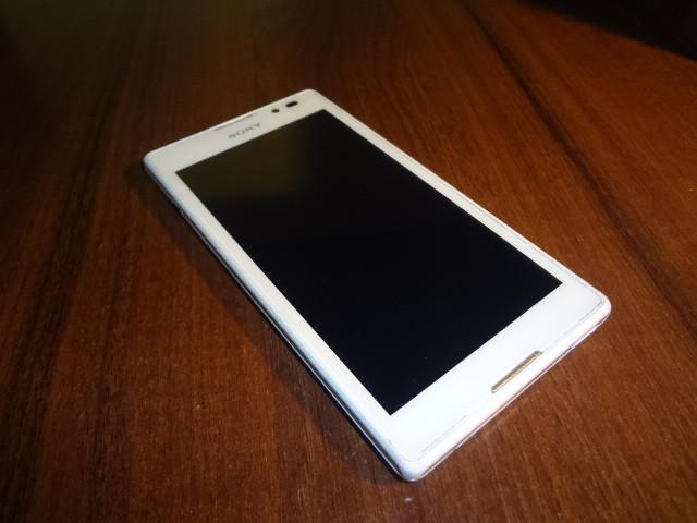Мобильный телефон Sony Xperia C C2305