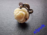 Кольцо Антик,Бело-Кремовый Коралл-Роза,17мм-ИНДИЯ