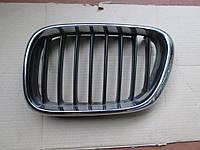 Решетка радиатора ноздря левая BMW X5 E53 99-03
