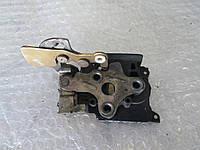 Замок двери задний левый механич Opel Sintra 96-99
