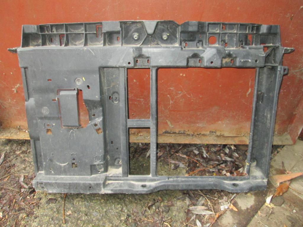 Передняя панель Peugeot 207 Citroen C3 06-10