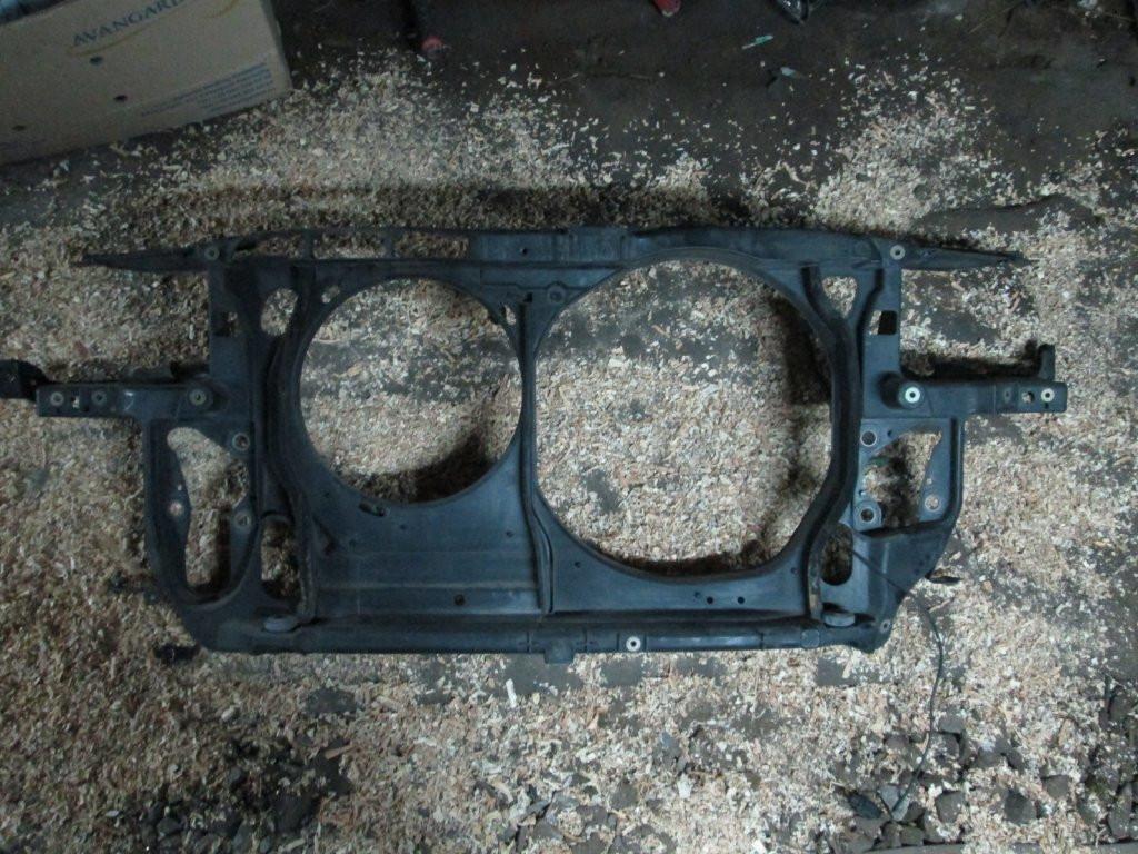 Передняя панель телевизор VW Passat B5 97-00