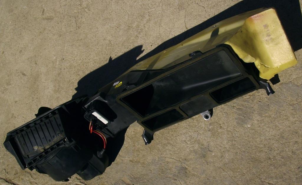 OPEL OMEGA  B  97 г.  ,  вентилятор салона .