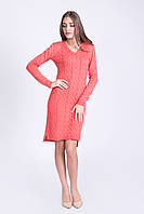 Платье с удлиненной спинкой кораллового цвета