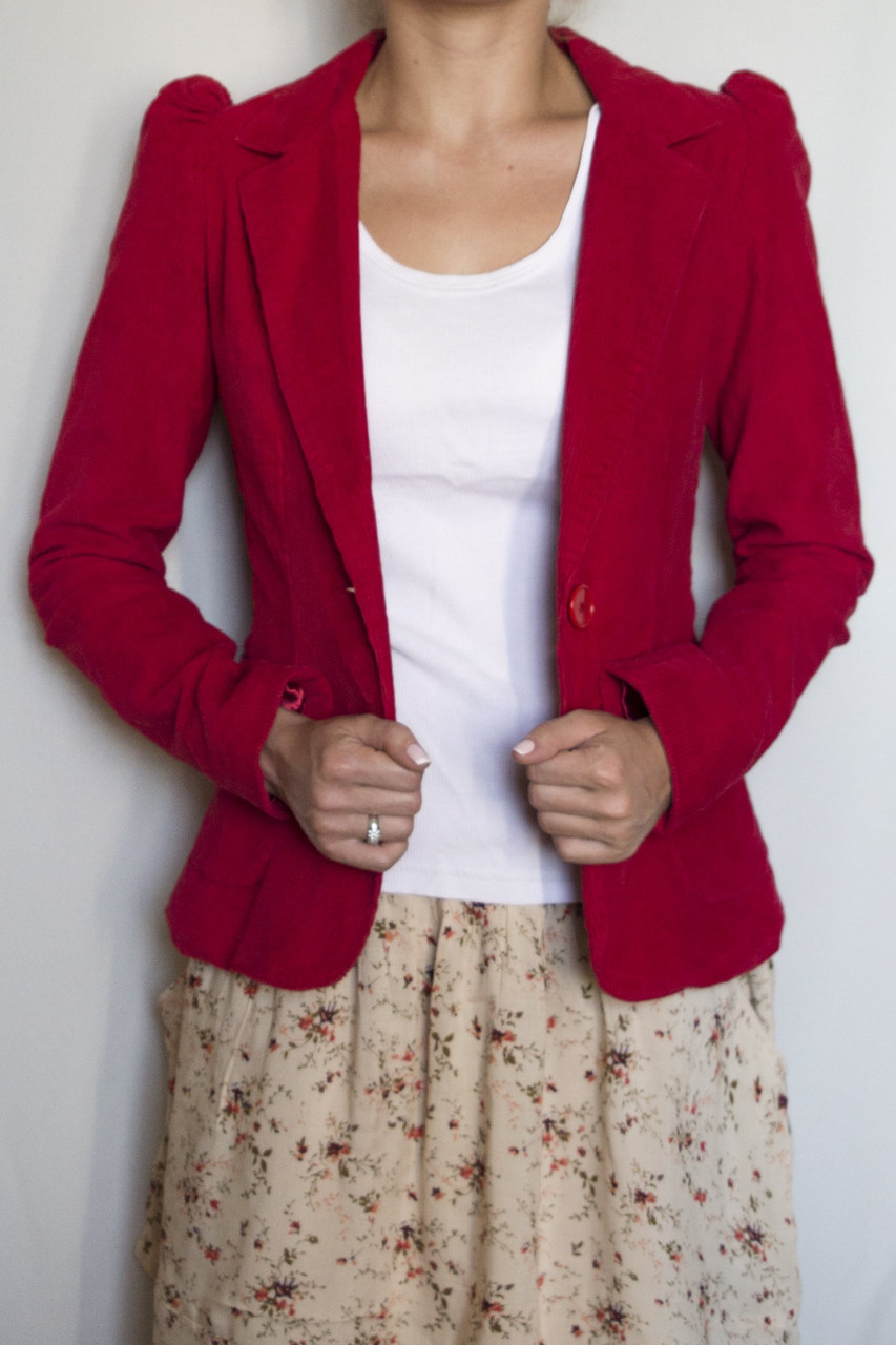 Пиджак женский RED