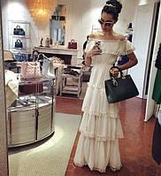 Эксклюзивное длинное платье в пол с оборками обшитыми ажурной лентой
