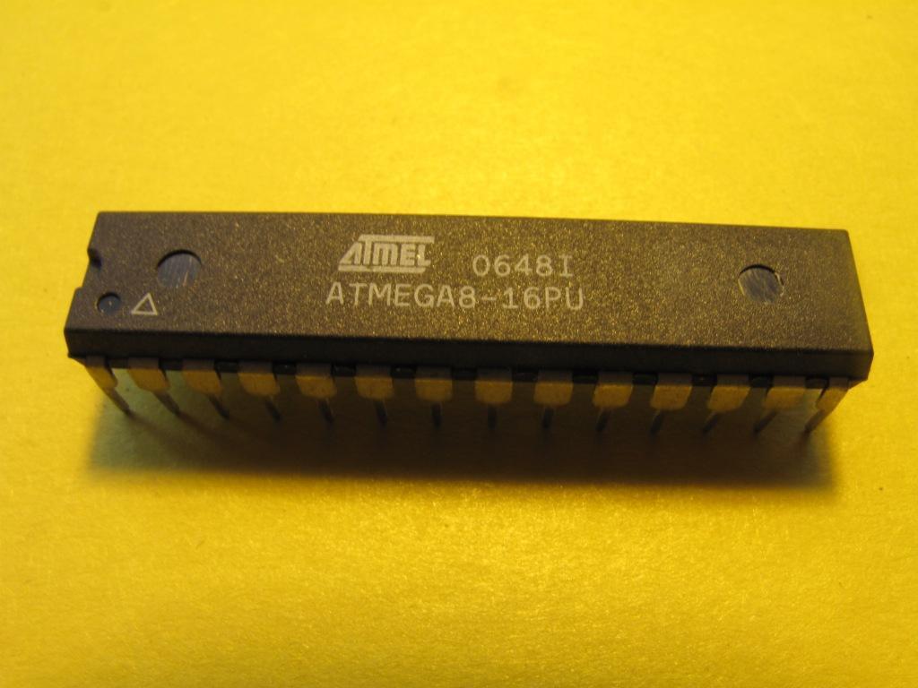 Мікроконтролер AVR ATmega8-16PU DIP28